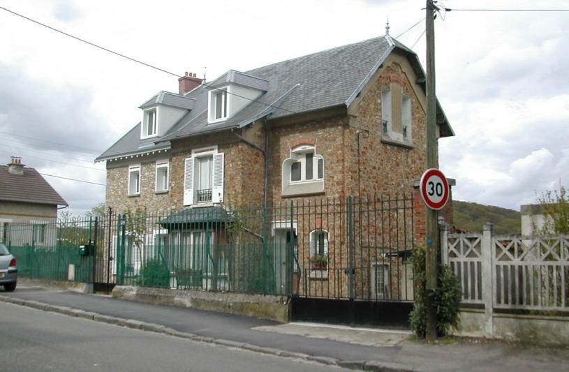 Extension et rénovation complète d'une maison individuelle en Pierre Meulière