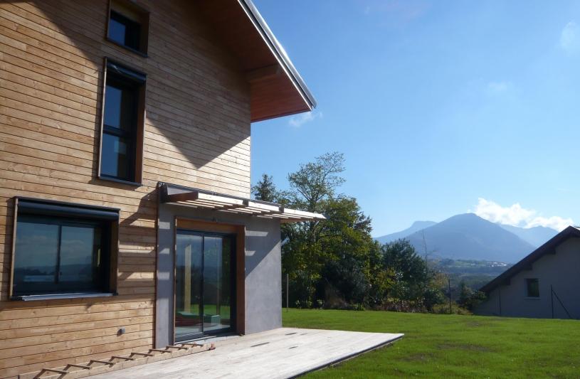 façade mixte: enduit et bois