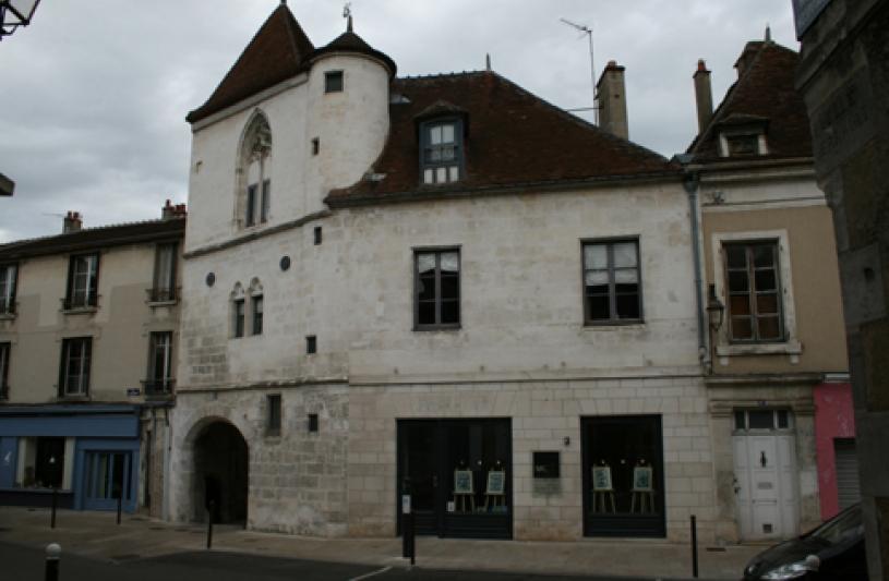 Plus ancienne maison civile en pierre d'Auxerre (1383)