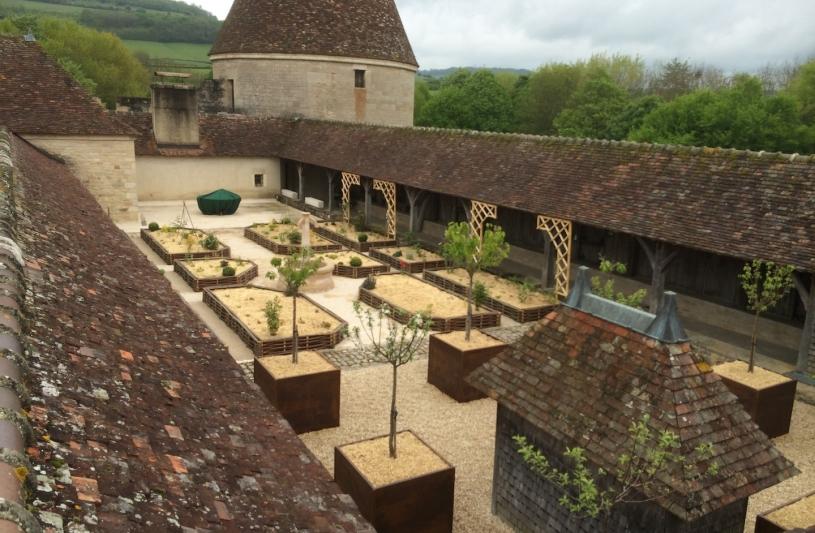 Création jardins sur dalle dans un château fort