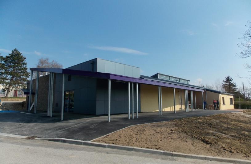 Réhabilitation et extension de la salle polyvalente de Lacrost avec amélioration des performances thermiques, redistribution des sanitaires et des cuisines et création d'un espace scéniques et de stockages