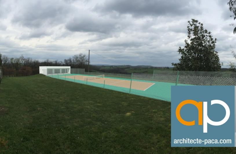 Création d'un terrain de tennis dans le TARN
