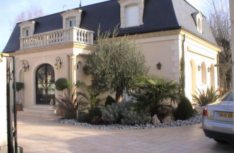 Maison neuve à la Mansart