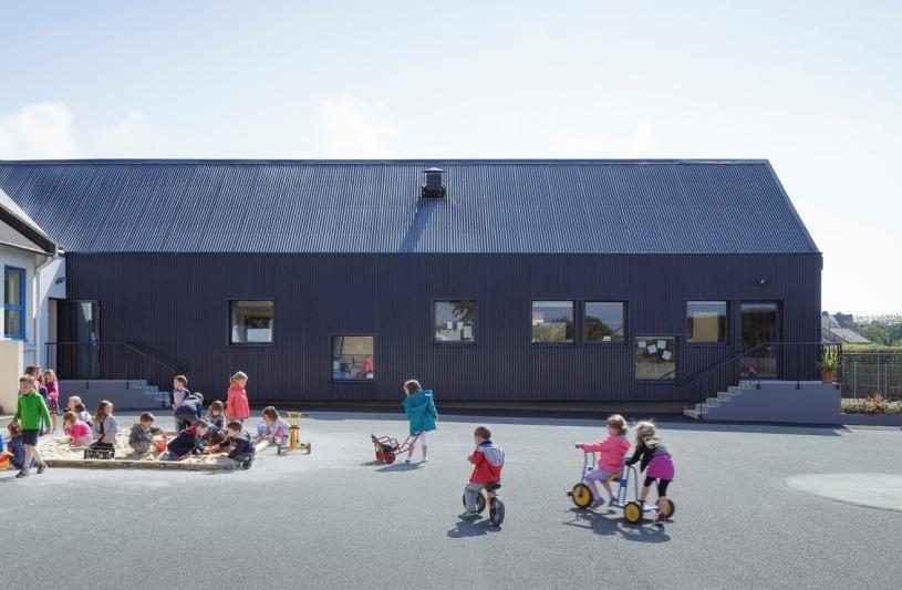 Cour école de Camlez