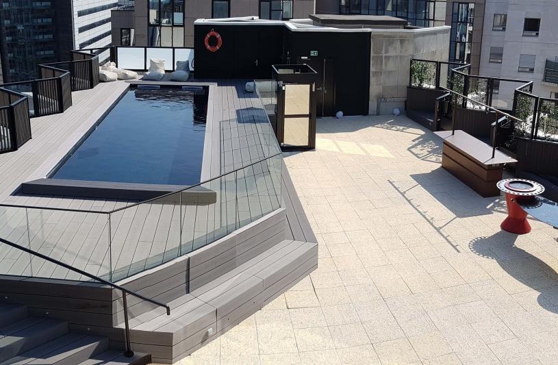 Rénovation hôtel Mercure, création de suites et d'une piscine - Vue de la piscine