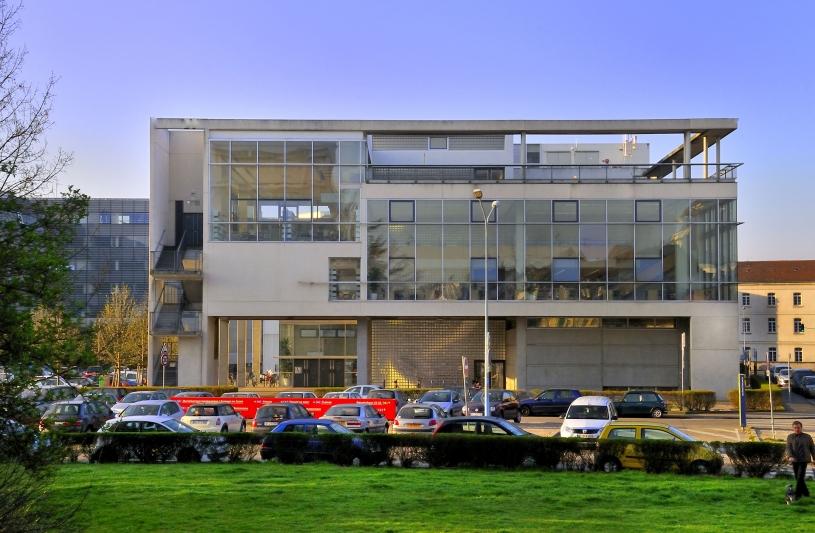 Coût de construction: 2,29M€ euros H.T. - SHON: 2913 m2