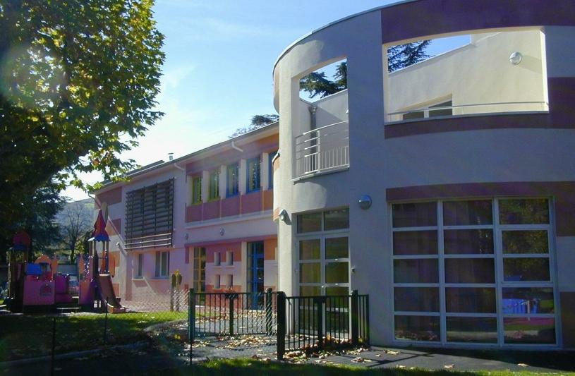 A au atelier d 39 architecture d 39 urbanisme thierry saunier ordre des architectes - Piscine saint chamond ...