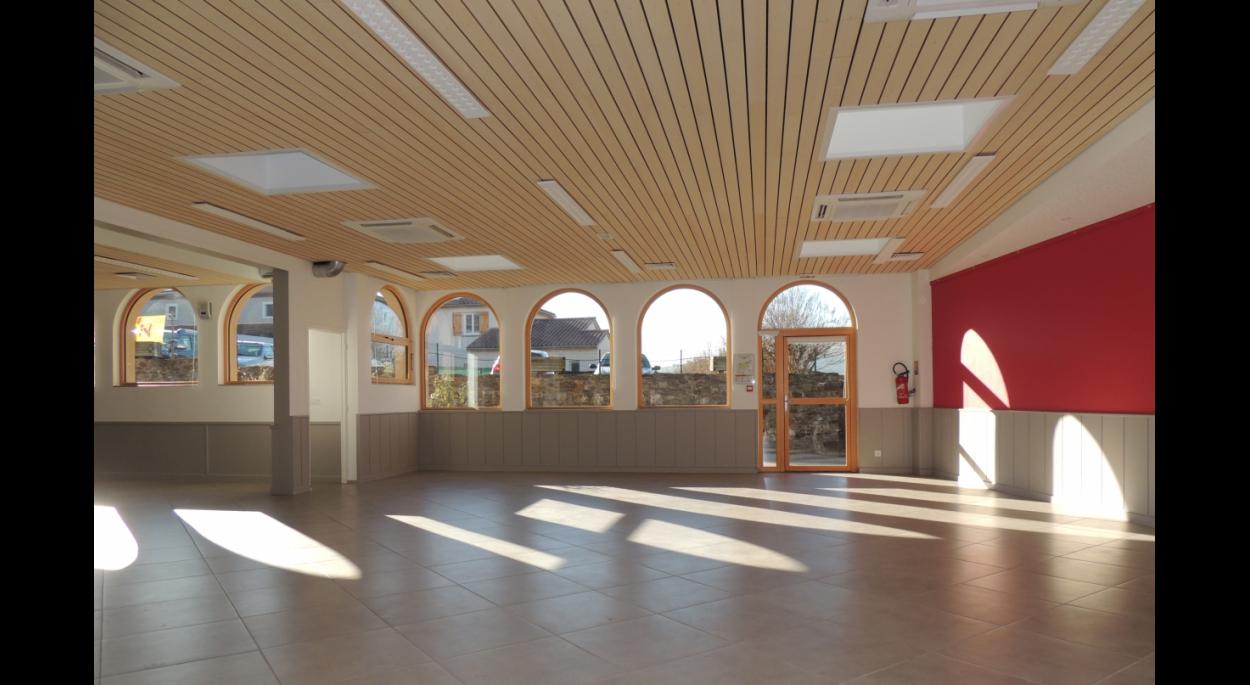 Salle d'animation de Longes