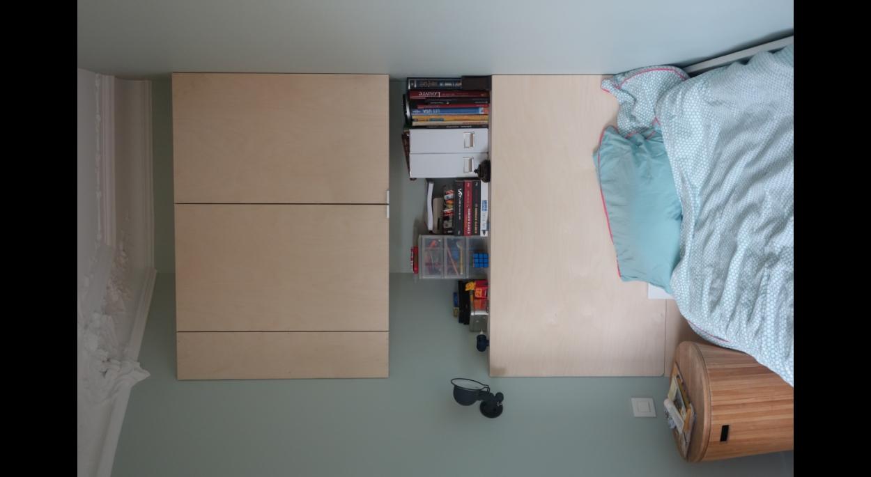 Chambre créée sur une partie du séjour