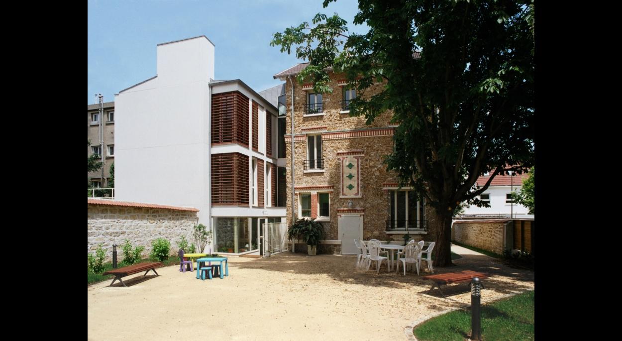Bureaux de l'AGENCE D'AIDE SOCIALE A L'ENFANCE DE PARIS - BOURG-LA-REINE  jardin