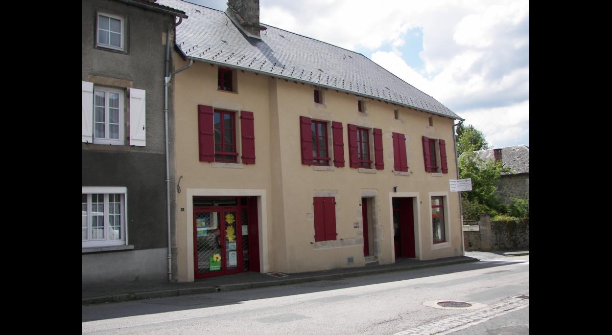 Réhabilitation à Pontarion : commerces et bureaux