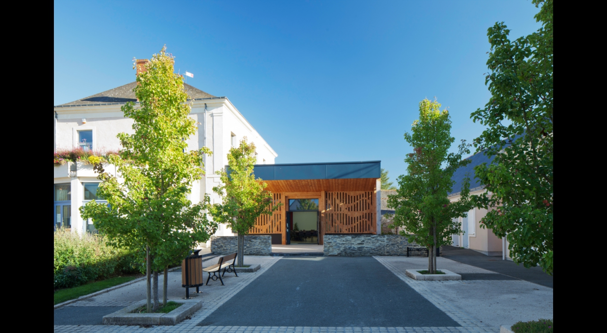Salle annexe Mairie Briollay - RO.ME Architectes - photographe P.Granssard