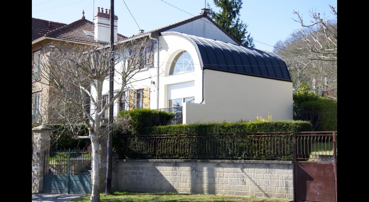 Extension de maison individuelle - Couverture en Zinc prépatiné galbé