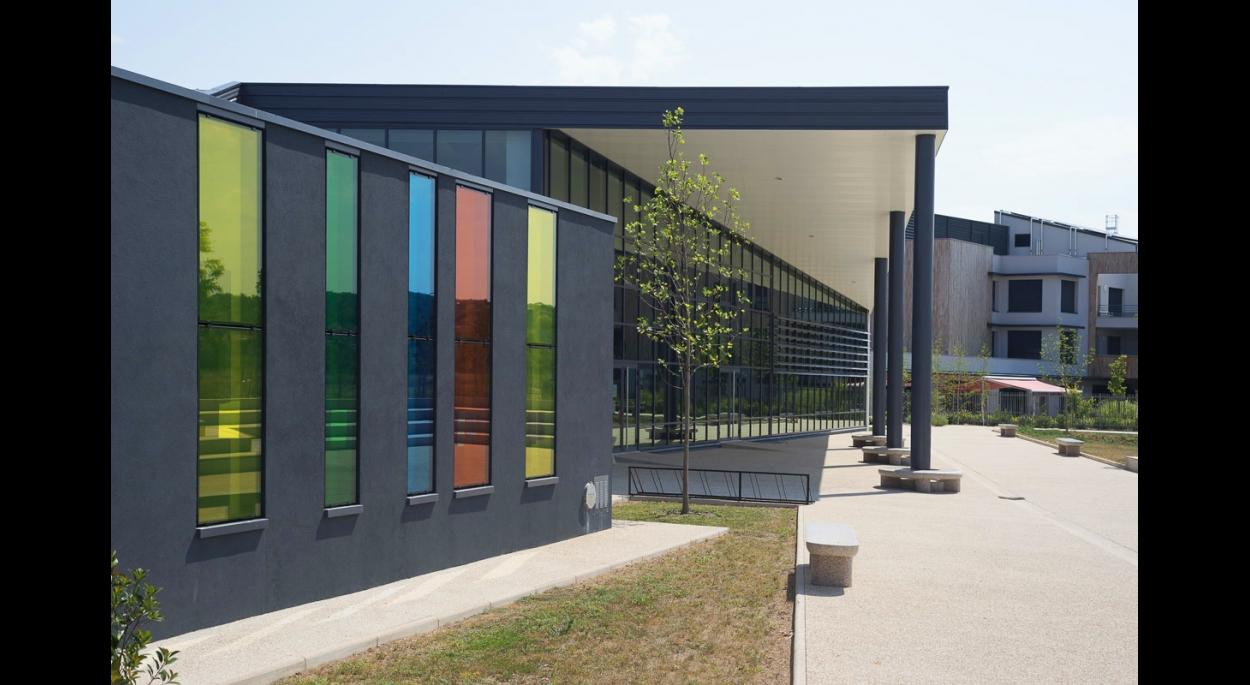 La médiathèque-conservatoire d'Andrézieux-Bouthéon - Photo Balao