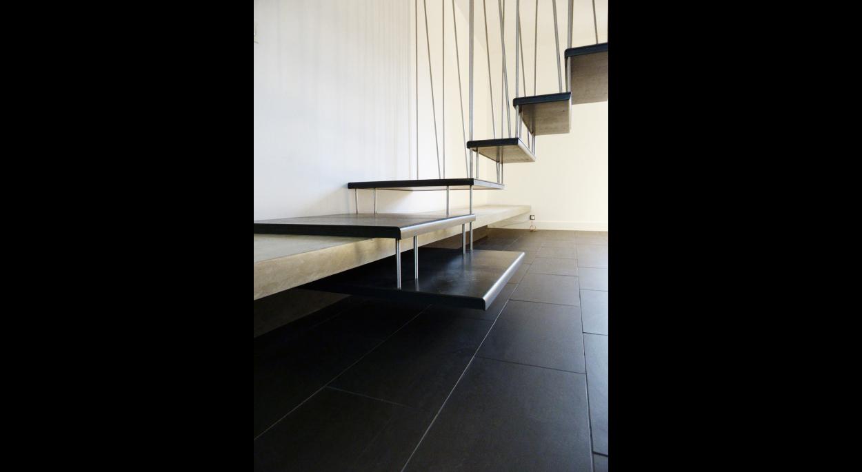 Escalier suspendu - Fabrice Commerçon Architecte