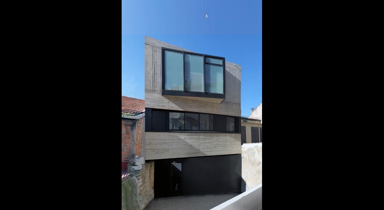 Chaque niveau de la maison entretien un rapport singulier avec le paysage