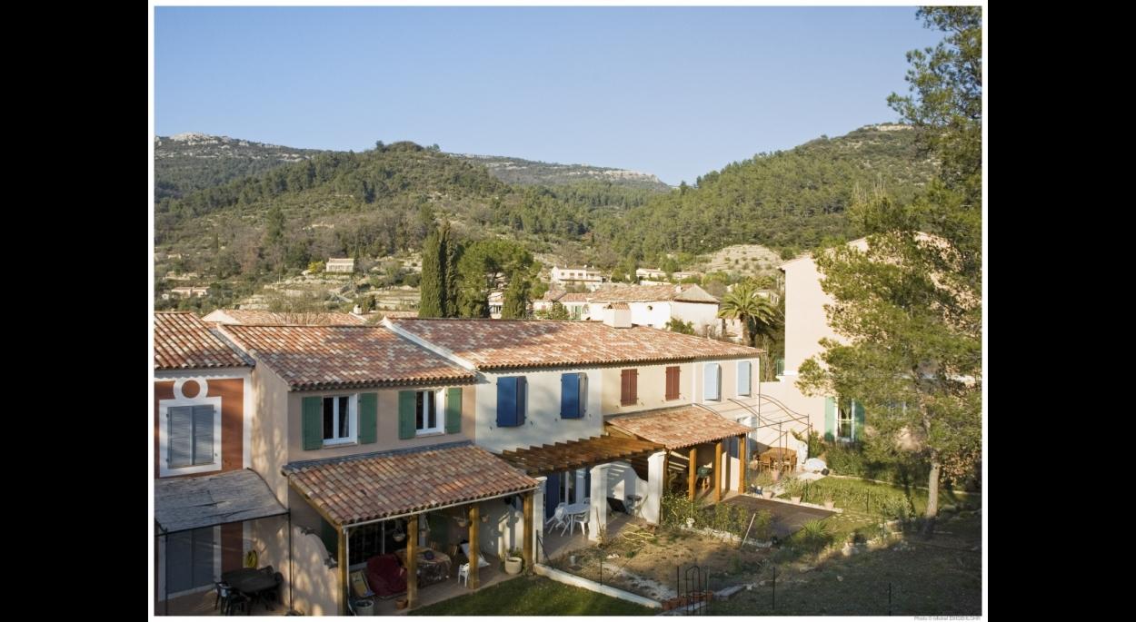 Le Domaine de la Muscatelle - BELGENTIER (83) - Projet initié par François SPOERRY - Architecte : Groupement Atelier XAVIER BOHL & Martine HENRIOT