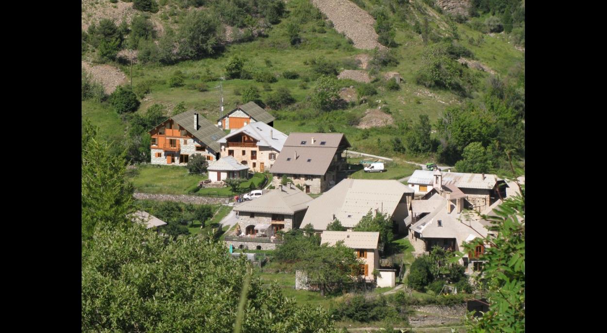 La ferme rénovée à Praveyral