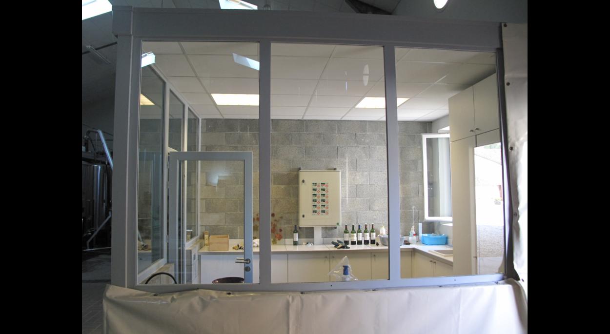 Local laboratoire vitré
