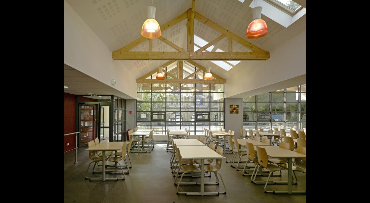 Restaurant scolaire - intérieur
