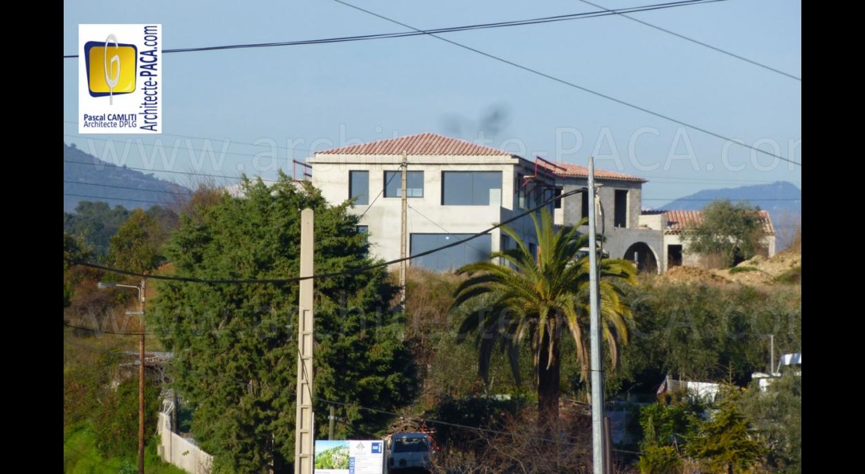 Maison contemporaine Saint Laurent du Var (06)