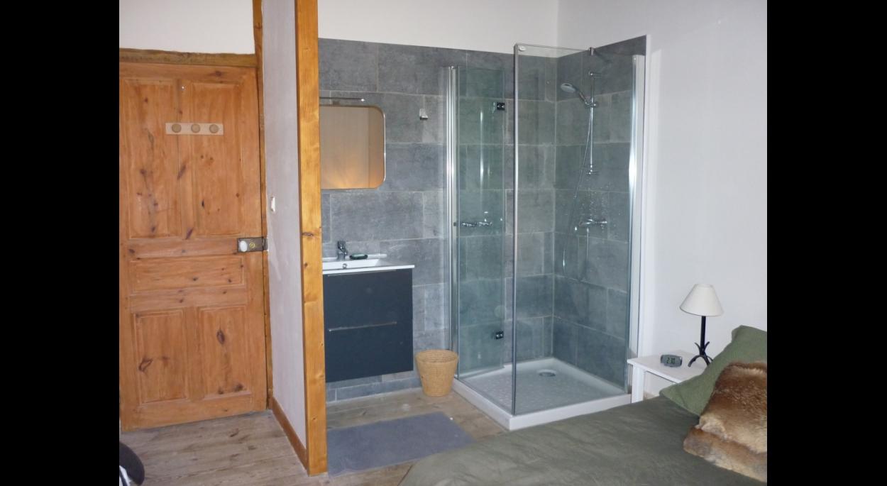 Sanitaires chambre deux