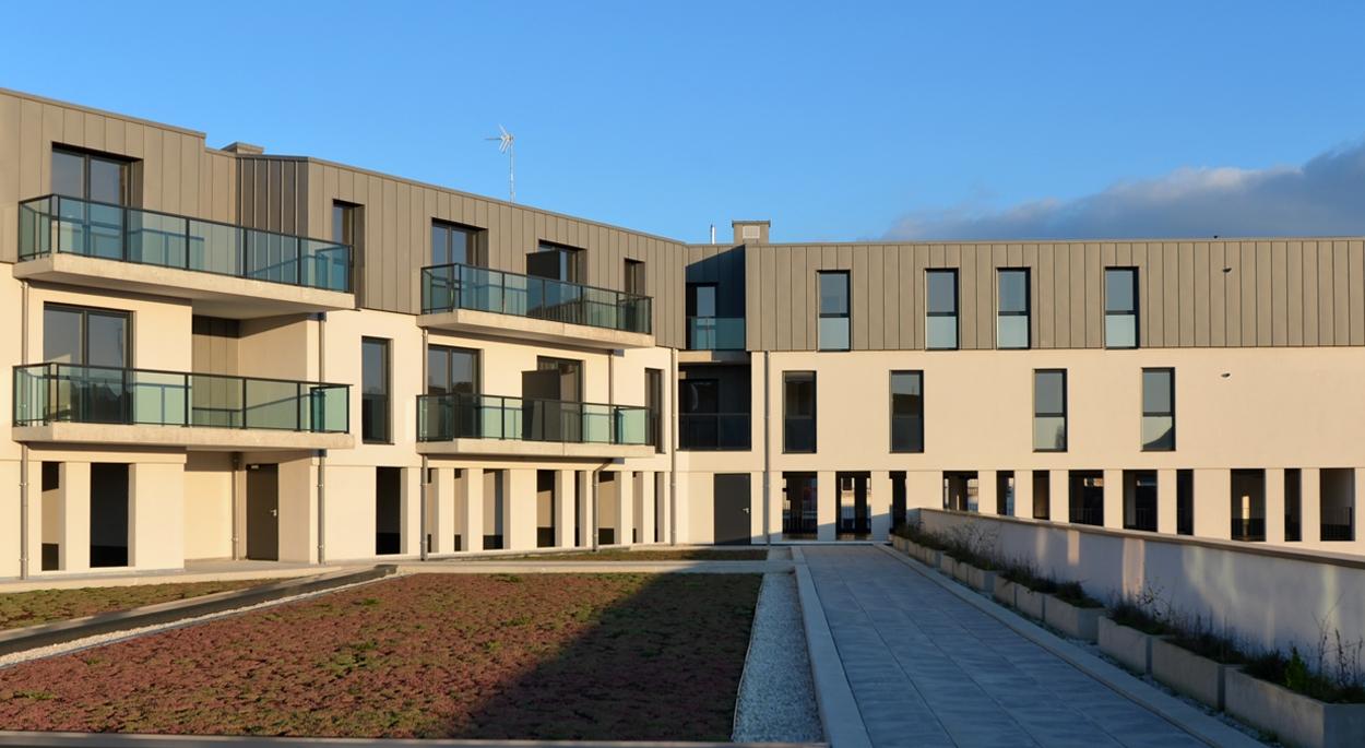 Avaricum à Bourges / Vue depuis la terrasse végétalisée des logements de l'accession 2