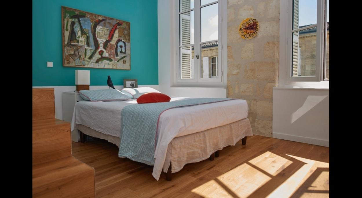 aménagement par architecte d'un appartement contemporain dans une maison pierre à Bordeaux