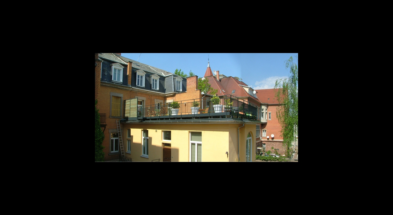 CREATION et AMENAGEMENT D'UNE TERRASSE A STRASBOURG (67000)
