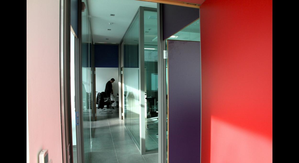 cloisons toutes hauteurs en verre pour bureaux