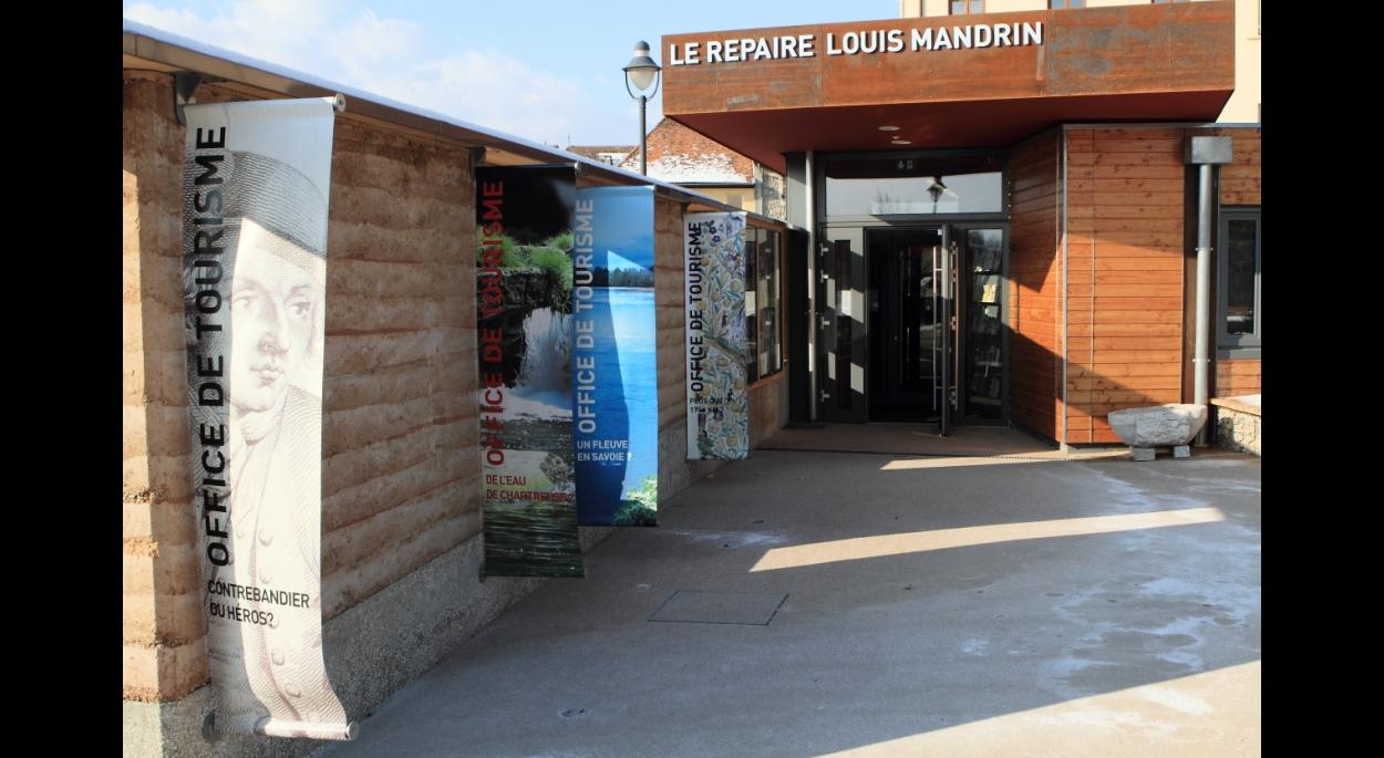Office du tourisme et pavillon d 39 accueil louis mandrin saint genix sur guiers giuseppina - Saint genix sur guiers office du tourisme ...