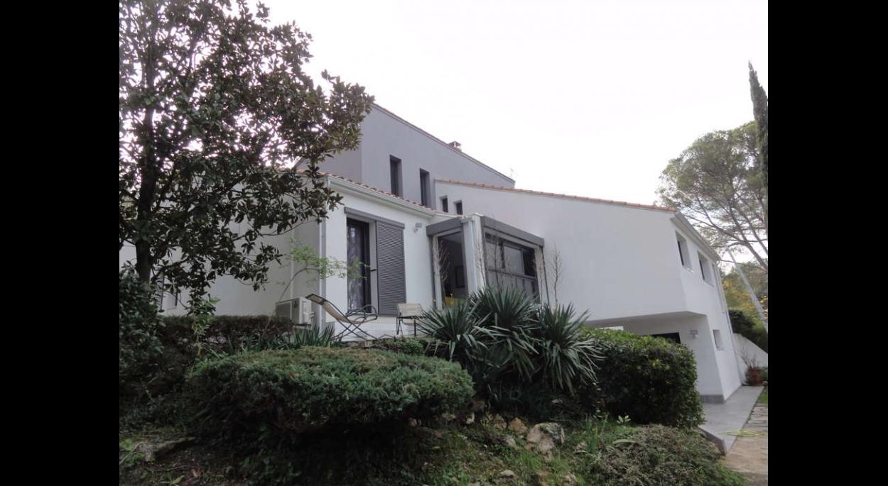 Rénovation d'une maison datant des années quatre-vingt.