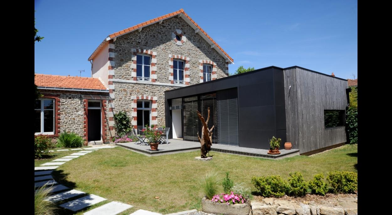 Extension et réhabilitation d'une maison à CLISSON. architecte : Atelier 14 (CLISSON)