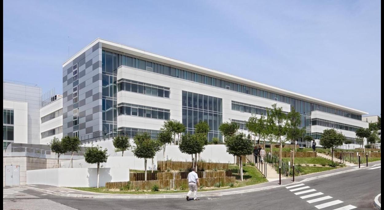 Centre R&D Sanofi par SLA Architecture