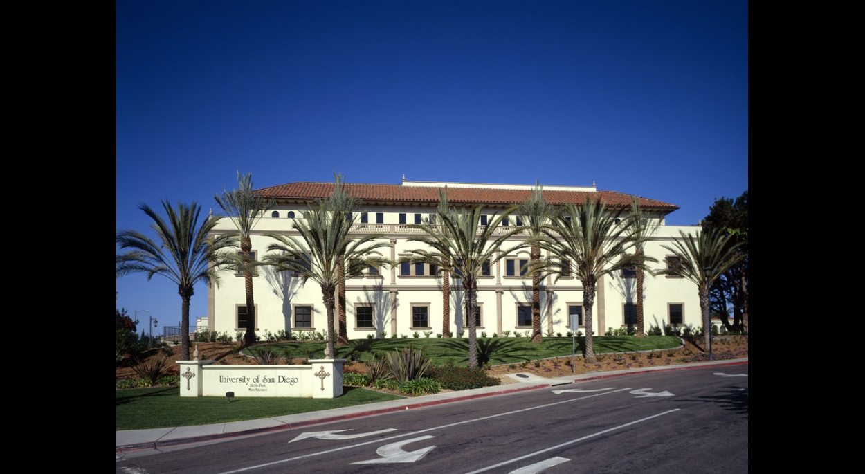 Degheri Alumni Center