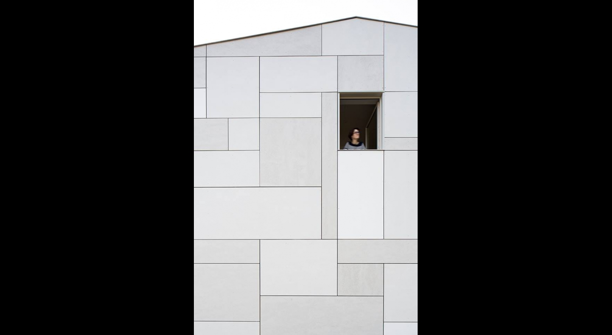 Bardage minéral calepiné. Benoit Bost photographe. Projet Rubixcub / whyarchitecture