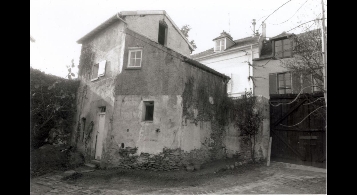 Etat initial: maison, vue depuis la cour.