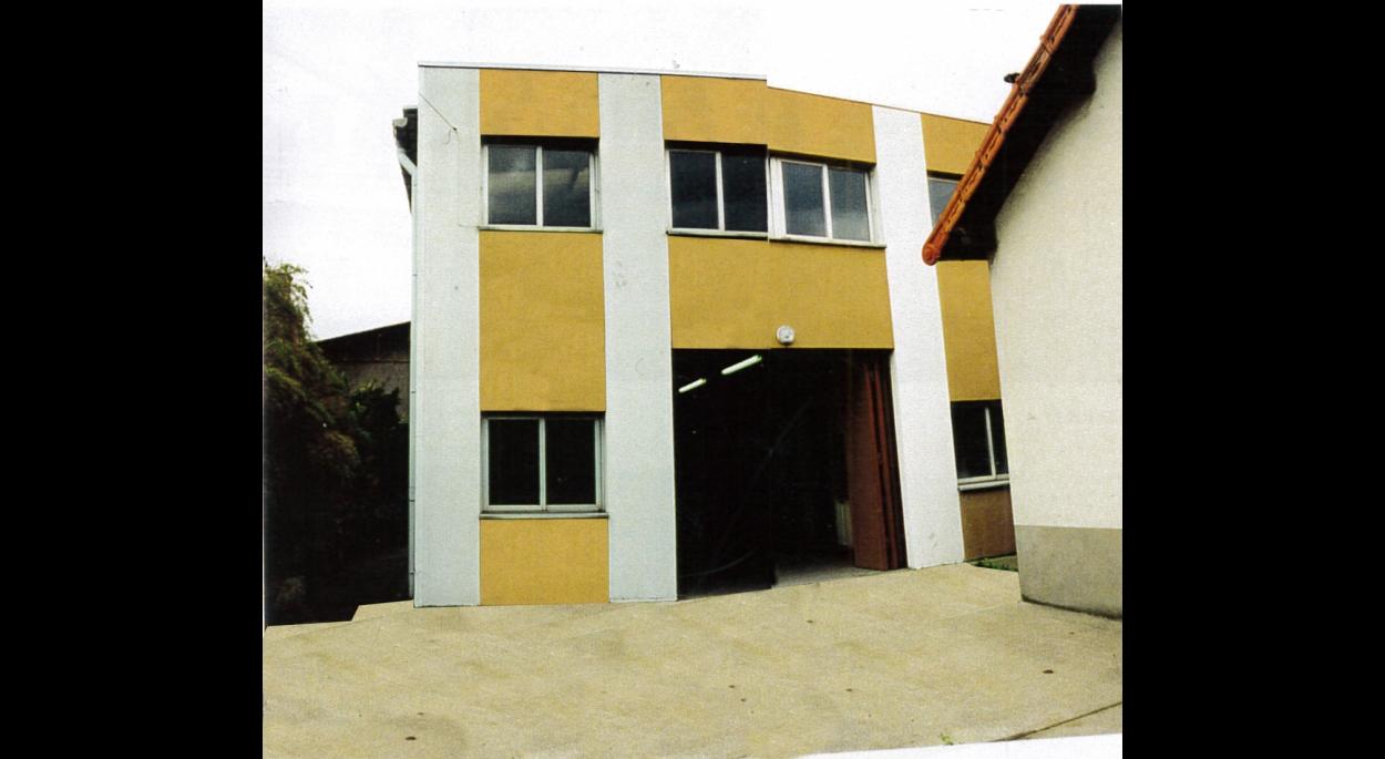 L'usine de menuiserie, la cour et la maison de gardien