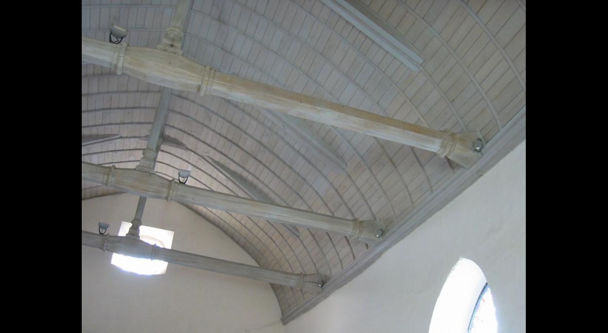 Après travaux : voûte en châtaigner (16/07/2006)