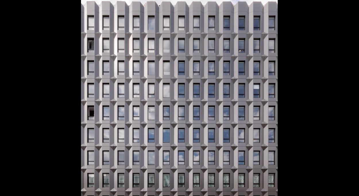 Spectaculaire ré-architecture de bureaux à Paris 13ème - Nouvelle façade
