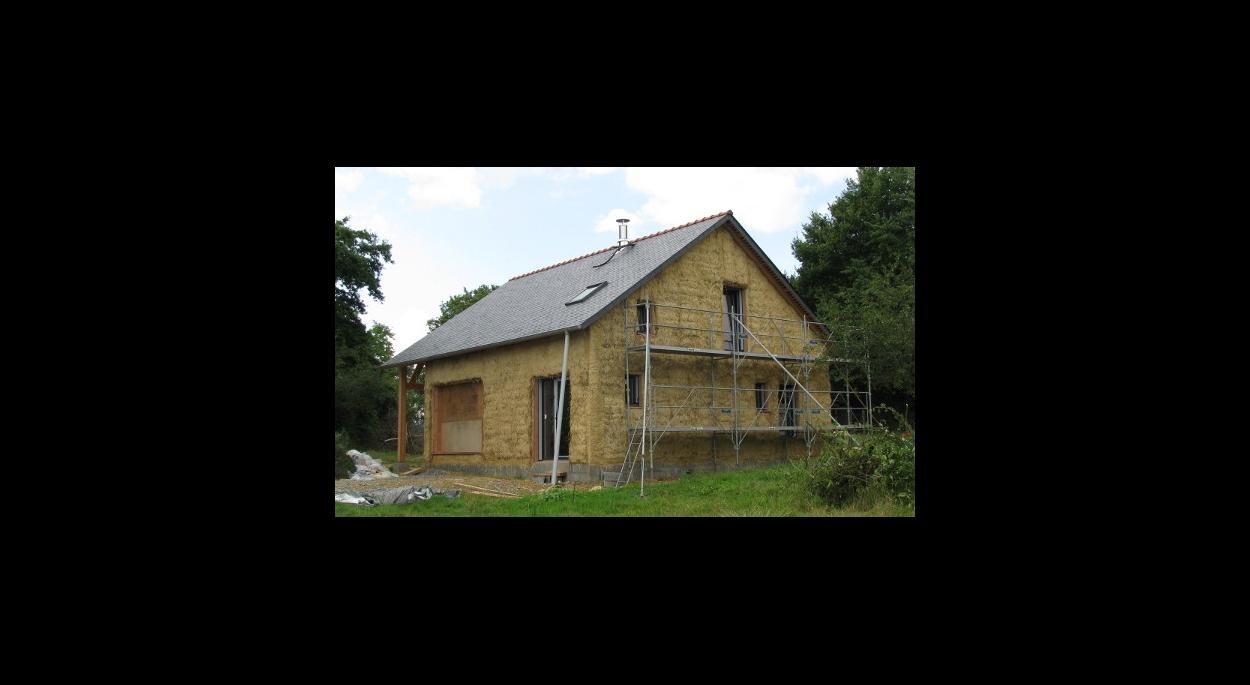 Neuf : Construire en ossature bois et paille - Conception Architecture Anne Favry
