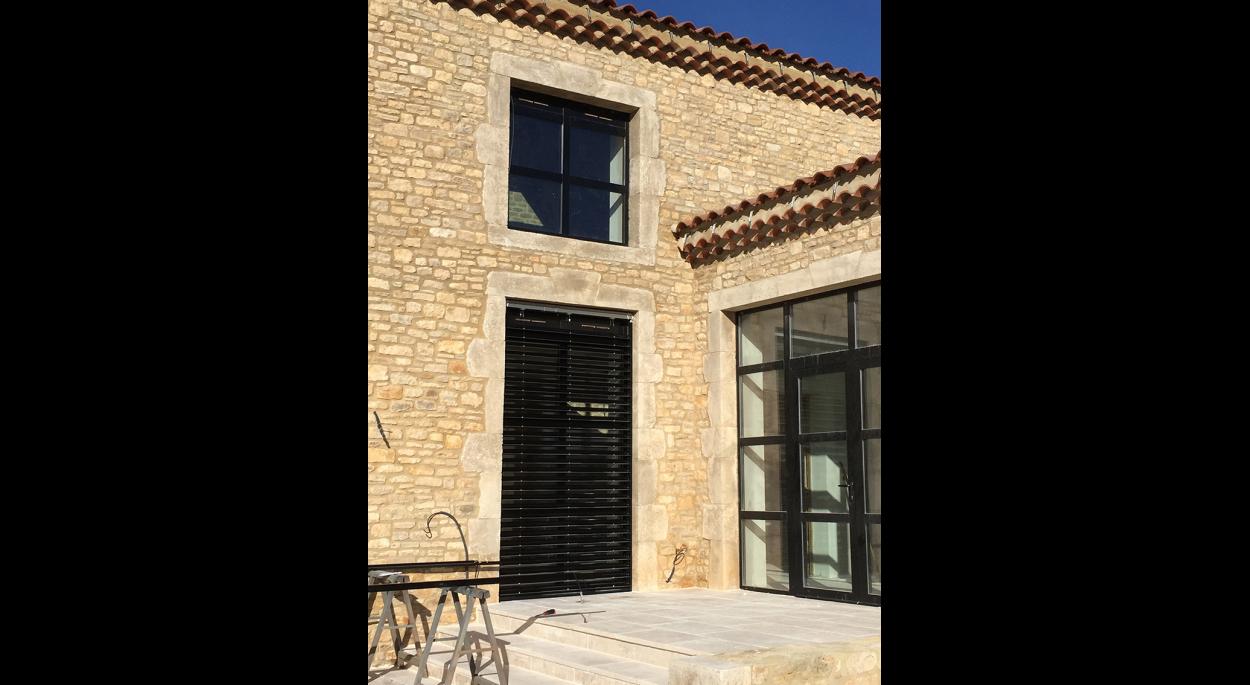 Restructuration d'un mas à Barjac (Gard)