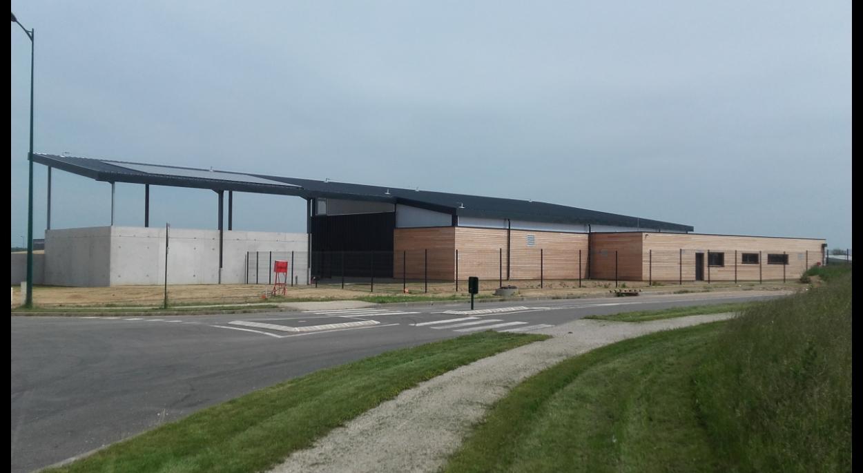 Le centre d'exploitation et les espaces de stockage adjacents
