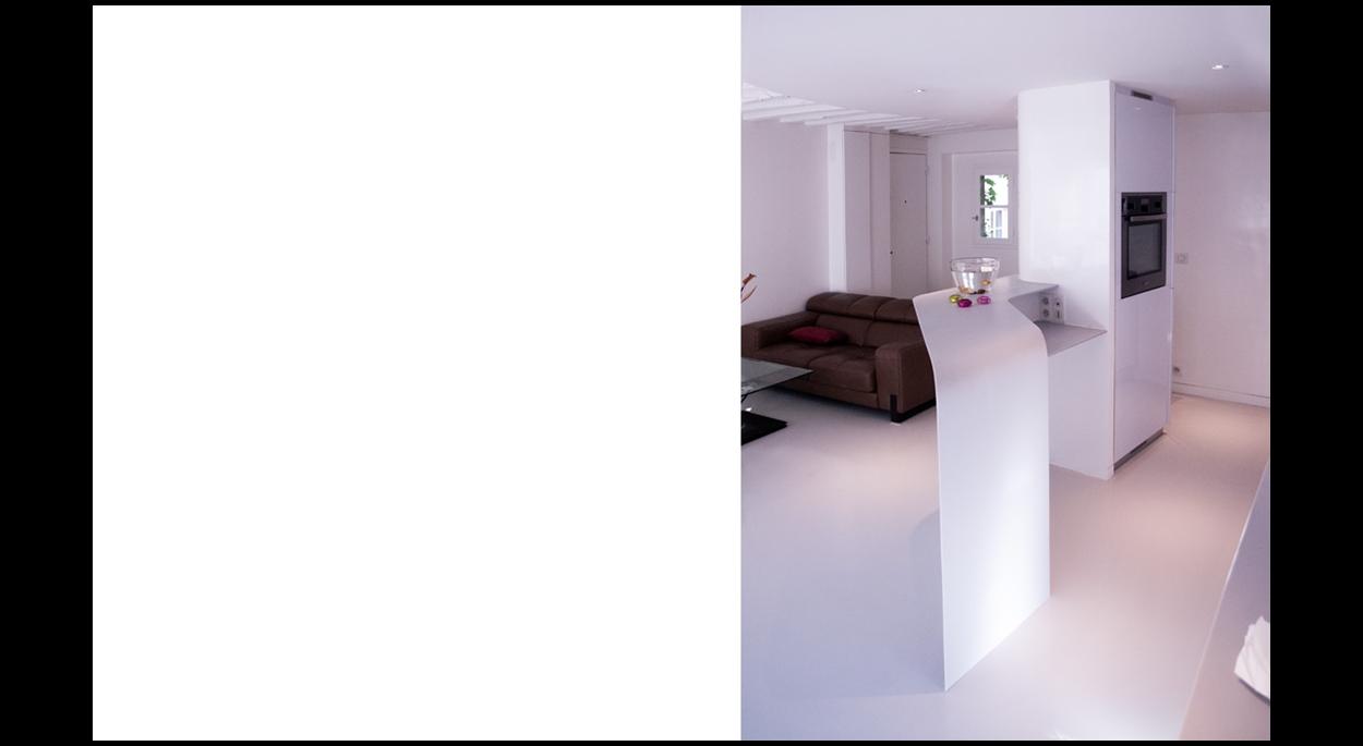 Rénovation complète d'un appartement dans le Marais à Paris - Le bar