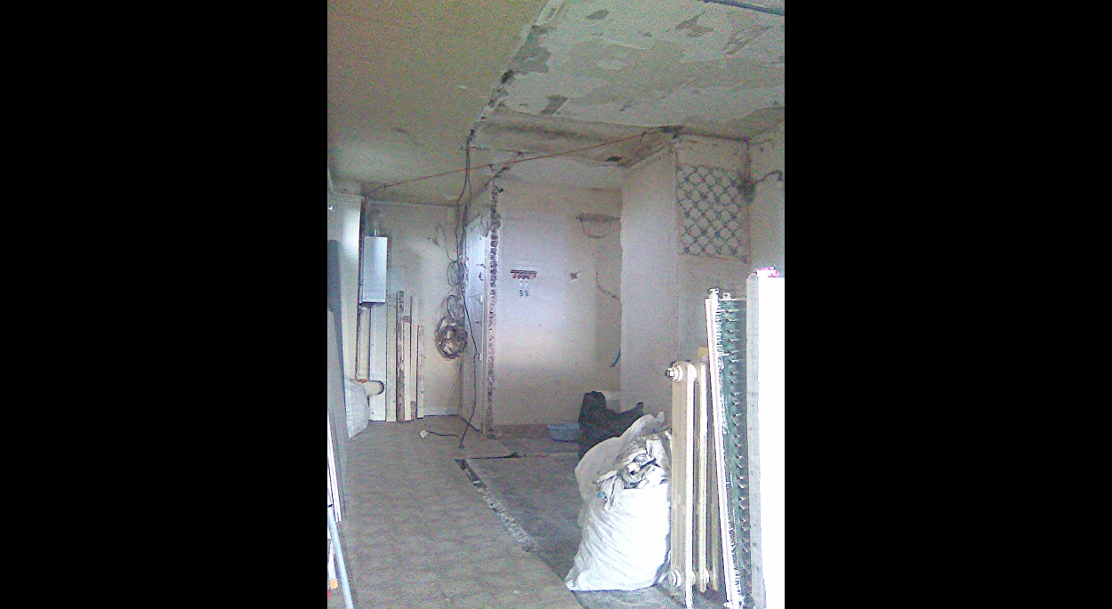 Vue de l'entrée depuis le salon - fin démolition
