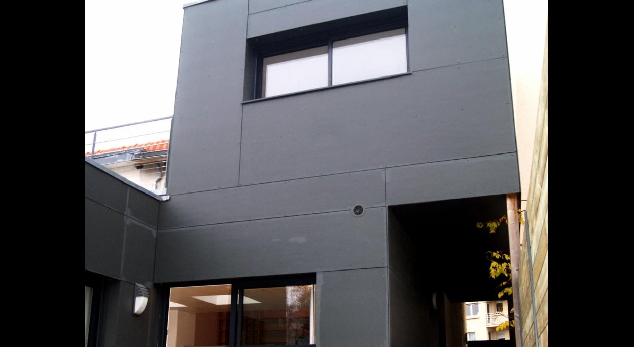 Ossature bois et Bardage en ciment composite teinté