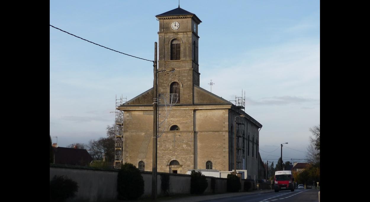 Vue sur le clocher restauré