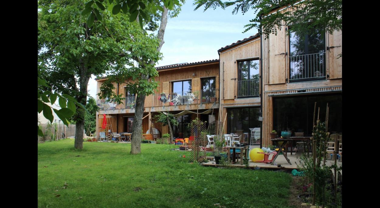 http://www.lemoniteur.fr/article/la-construction-bois-a-l-honneur-lors-du-salon-tp-bat-a-toulouse-26314918?26314927=26314916#26314927