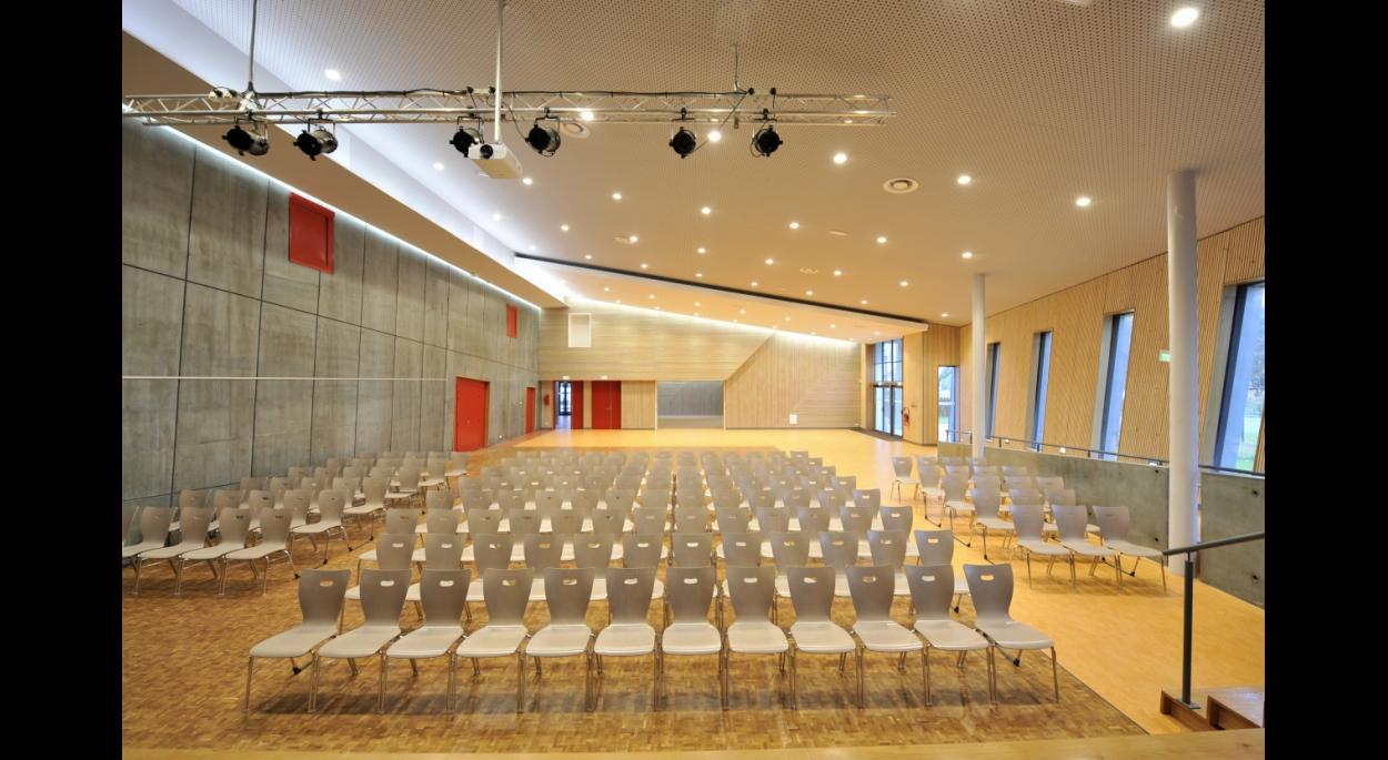 Un aménagement pour accueillir mariages, conférences, spectacles...
