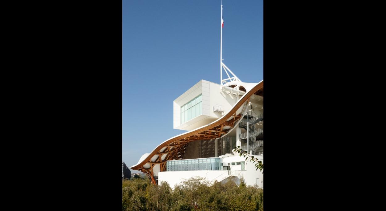 Création d'une salle de restauration sur la terrasse du Centre Pompidou à Metz - studiolada architectes